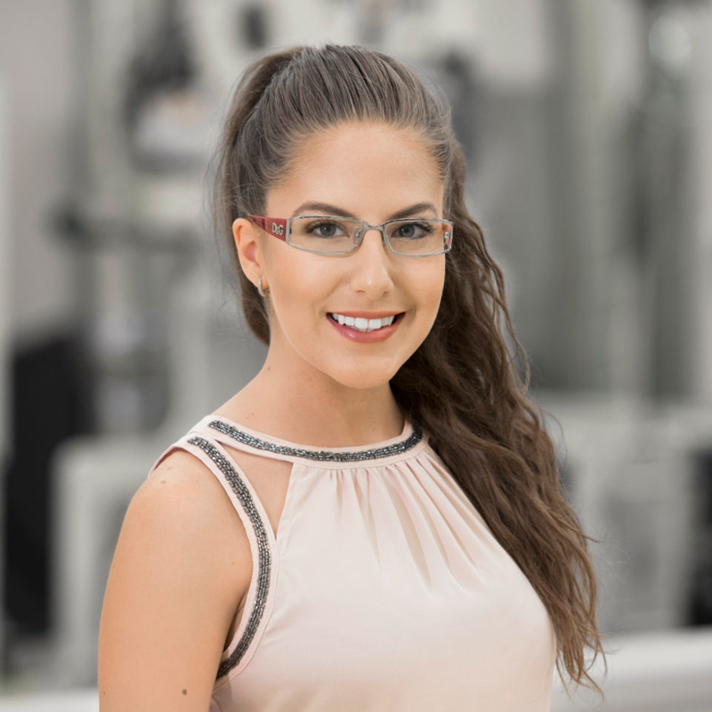 Zoe Castro – Customer Solutions Specialist